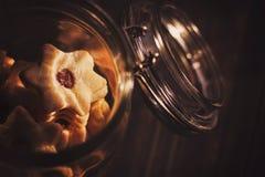 Cookies em um frasco de vidro Fotografia de Stock