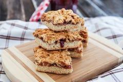 Cookies enchidas doce da barra Fotos de Stock