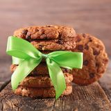 Cookies and green bow Royalty Free Stock Images