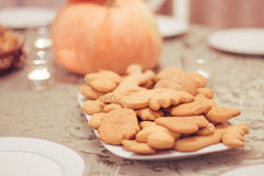 Cookies na placa Fotos de Stock Royalty Free