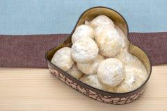 Cookies no açúcar pulverizado em uma caixa Imagem de Stock