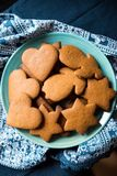 Cookies recentemente undecorated do pão-de-espécie Imagens de Stock Royalty Free