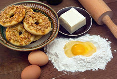 Cookies recipe. This photo shows how to cook biscuits. The photo shows the ingredients used to prepare cookies. Photo Made in the artificial osyeschenii ( Royalty Free Stock Images