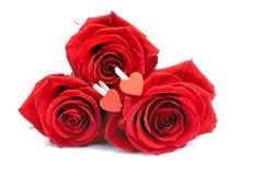 Cookies sob a forma do coração ao dia de Valentim em um whi Imagem de Stock Royalty Free