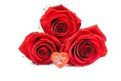 Cookies sob a forma do coração ao dia de Valentim em um whi Imagens de Stock Royalty Free