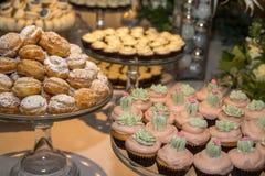 Cookies sortidos de todos os tipos Imagem de Stock Royalty Free