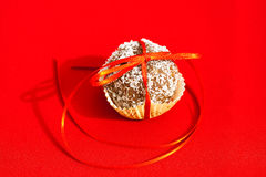 Cookies tied with a ribbon Royalty Free Stock Images