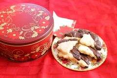 Cookies tin and plateful Stock Images