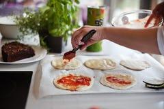 Cookin pizza Zdjęcie Stock