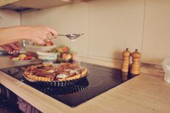 Cooking apple pie Royalty Free Stock Photos