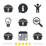 Cooking pan icons. Boil five, eight minutes. Royalty Free Stock Images