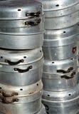 Cookware de aluminio viejo Imagenes de archivo