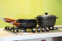 Cookware del ghisa Fotografia Stock Libera da Diritti