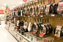 Cookwares in retail store royalty free stock photos
