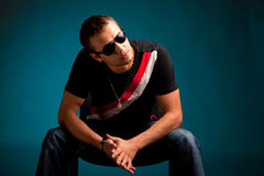 Cool guy wearing sunglasses Royalty Free Stock Photography