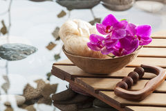 Cool water and beauty tools for pampering inner beauty Stock Photography