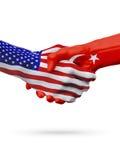 Coopération de concept de drapeaux des Etats-Unis et de la Turquie, affaires, compétition sportive Image stock