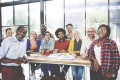 Coopération de séance de réflexion rencontrant ensemble le concept d'unité Images libres de droits