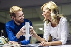 Cooperação em conseguir objetivos mútuos Foto de Stock Royalty Free