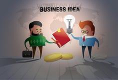 Cooperación creativa del intercambio de ideas de la bombilla del concepto de la idea del hombre de negocios dos nueva Fotografía de archivo libre de regalías
