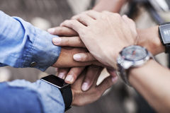 Cooperation among team mates Royalty Free Stock Photography