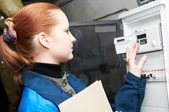 Coordenador do aquecimento no quarto de caldeira Foto de Stock