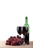 Copa de vino con la uva Foto de archivo libre de regalías