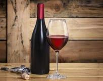 Copa de vino y botella Fotos de archivo