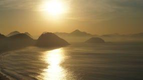 Copacabanastrand Rio De Janeiro Sunrise Mountain Royalty-vrije Stock Foto