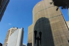 Copan budynek i swój krzywy przez miasta obrazy royalty free