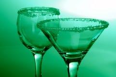 Copas de vino de cristal transparentes con la decoración Fotografía de archivo