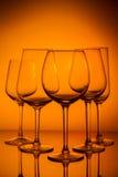 Copas de vino en azul Imagen de archivo libre de regalías