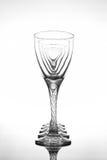 Copas de vino en superficie brillante de la tabla Fotos de archivo