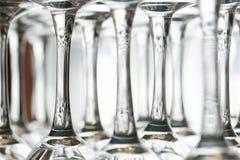 Copas de vino upside-down Imagen de archivo