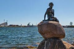 COPENHAGA, DINAMARCA - 30 DE ABRIL DE 2017: Monumento do Mer pequeno Foto de Stock Royalty Free
