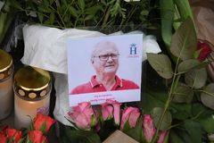 PRINCE HENRIK IS DEAD_PEOPLE PAY HIM RESPECT Royalty Free Stock Images