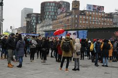 FREE TOUR GETHERING WITH TOURISTS. Copenhagen /Denmark / 10...March.2018_ . Holiday makers waiting with other for Free Tour pay donations only. Photo.Francis stock photo