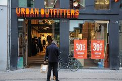 30% discount sale at urban oufitter store stock photography
