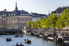 COPENHAGEN, DENMARK - SEPTEMBER 8: Unknown tourists touring the Stock Images