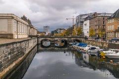 Copenhaghen - 23 ottobre 2016: Vista al ponte ed al Th di Marmorbroen area vicina di e a Copenhaghen Immagine Stock Libera da Diritti