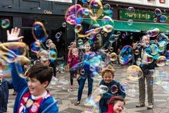 COPENHAGUE, DANEMARK - 24 AOÛT 2015 : Attraction de bulle à Copenhague du centre, Danemark Images stock