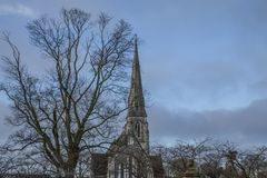 Copenhague, Dinamarca - cielos azules y una iglesia Fotografía de archivo