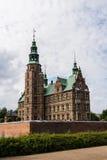COPENHAGUE, DINAMARCA - CIRCA 2016 - el castillo de Rosenborg se construye en el estilo de arquitectura del renacimiento y está s imagen de archivo