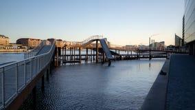 Copenhague, Dinamarca - 1 de abril de 2019: Puente de Kalvobod que es una estructura moderna fotos de archivo libres de regalías