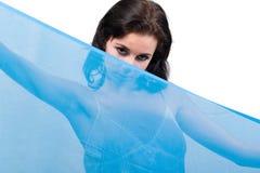 Coperchio femminile con lo scialle Immagine Stock Libera da Diritti