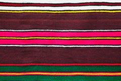 Coperta di lana fatta a mano con le bande variopinte Immagine Stock Libera da Diritti