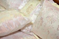 Coperte da letto di seta Fotografie Stock