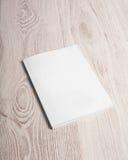 Copertura di rivista con la pagina in bianco Fotografie Stock