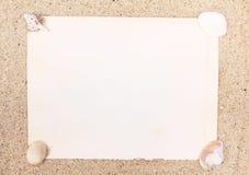 Coperture del mare e del documento in bianco Fotografie Stock Libere da Diritti