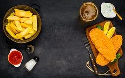 Copi il pesce e patate fritte dello spazio Immagini Stock Libere da Diritti